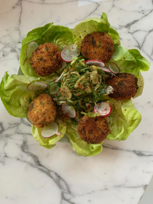 Crab Cake Lettuce Wraps with Grape and Cucumber Relish